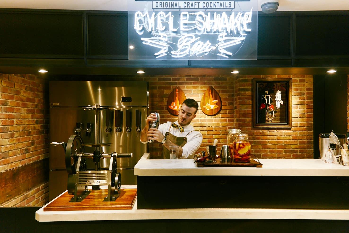 J.S.BURGERS CAFE CYCLE SHAKE BAR 新宿店 かき氷 カクテル 登場