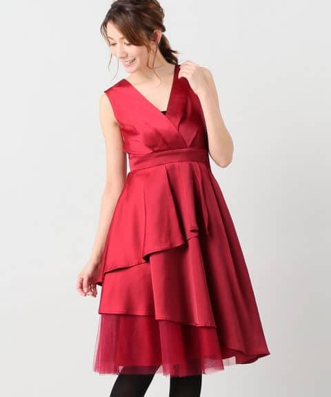 e106ac992318a シックでレディな雰囲気を出したいならブラックを。小物にはパールやシンプルなクラッチを合わせて、ドレスの華やかさを際立たせましょう。