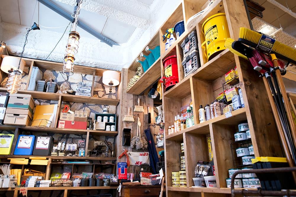 ACMEの雑貨・小物売り場